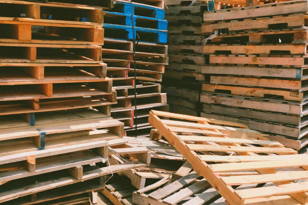 a bunch of recycled pallet