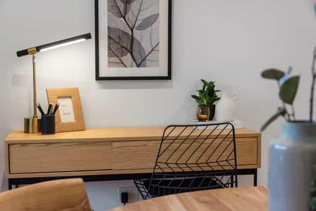 Pine wood table design